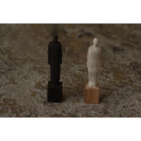 木彫 人物 7cm  Olectronica