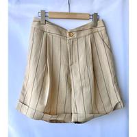 pin stripe short pants