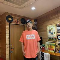 【KISHIWADA CITY】BOX ひらがなTAG Classic T-Shirt (NEONORANGE×WHITE)