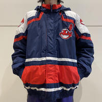 "90s ""CLEVELAND INDIANS"" puffer jacket"
