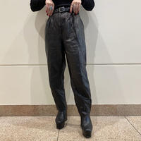 switching design tapered leather pants