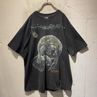90s manatee printed T-shirt