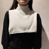 80s mock necked accessory (WHT)