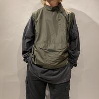 90s design zip nylon vest
