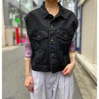 bijou design no sleeve denim jacket