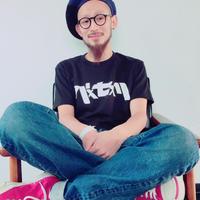 パxセxリ カタカナベーシックTシャツ 黒