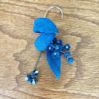 【ethical jewelr gift】 藤本裕美×qilin  藍染ヘンプフラワーイヤーカフシンプル