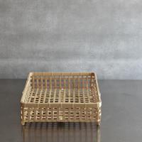 竹編みの四角い水切りかご