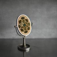 古道具部 ゴブラン織のスタンドミラー
