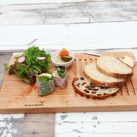QuantoBasta 週末の朝が似合うトーストプレート