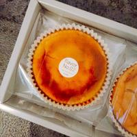 THREE THREE CHEESE CAKE over flavor No.02(スリースリーチーズケーキオーバー フレーバーナンバー02)