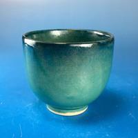 【Y037】海の色の湯呑み茶碗(エメラルドグリーン・うさぎ印)