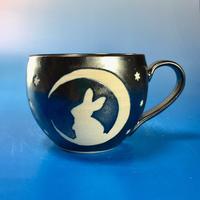 【M108】月夜のうさぎ柄の丸マグカップ大(銀彩釉・うさぎ印)