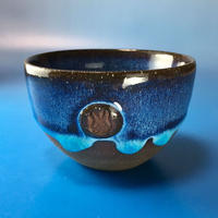【Y006】青の洞窟色の湯呑み茶碗(淡水乳濁・うさぎ印)