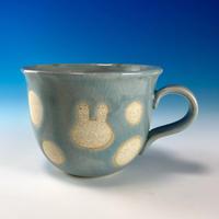 【M244】広口のうさぎ水玉模様のマグカップ小(青白磁・うさぎ印)