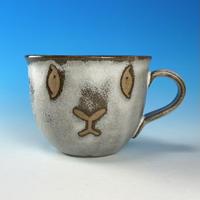 【M333】見つめてくるマグカップ小(マットホワイト・赤土・うさぎ印)