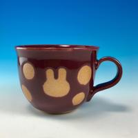 【M202】広口のうさぎ水玉模様のマグカップ小(ボルドー・うさぎ印)