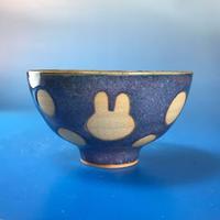 【G026】うさぎ水玉模様のご飯茶碗(淡青白土・うさぎ印)