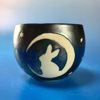 【Y045】月夜のうさぎ柄のフリーボウル(銀彩釉・うさぎ印)