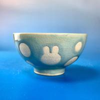 【G032】うさぎ水玉模様のご飯茶碗ミニ(青白磁・うさぎ印)