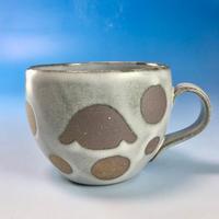 【M141】丸いフォルムのうさぎ水玉模様のマグカップ小(白マット赤土・ロップ・うさぎ印)