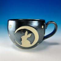 【M215】月夜のうさぎ柄の丸マグカップ大(銀彩釉・うさぎ印)