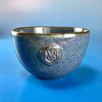 【Y022】青紫色の湯呑み茶碗(うさぎ印)