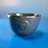 【Y024】青紫色の湯呑み茶碗(うさぎ印)
