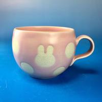 【M080】丸いフォルムのうさぎ水玉模様のマグカップ小(マカロンピンク色・うさぎ印)