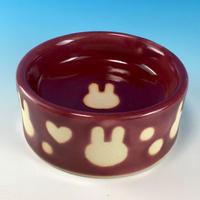 【R195】うさぎ水玉模様のうさぎ様用食器・Lサイズ(ボルドー・ハート付・うさぎ印)