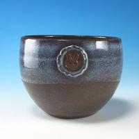 【Y085】ミルキーブルーの丸湯呑み茶碗小(淡水乳濁・赤土・うさぎ印)