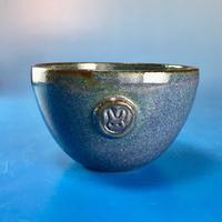 【Y025】青紫色の湯呑み茶碗(うさぎ印)