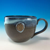 【M191】淡水乳濁のマグカップ大(エンブレム付き・うさぎ印)