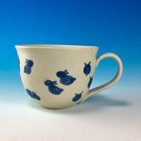 【M176】広口の豆うさぎ柄のマグカップ大(呉須手描き・うさぎ印)