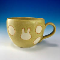 【M225】丸いフォルムのうさぎ水玉模様のマグカップ小(イエロー・うさぎ印)
