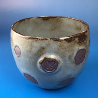 【Y003】灰透明のうさぎ水玉模様の湯呑み茶わん(緑灰系・うさぎ印)