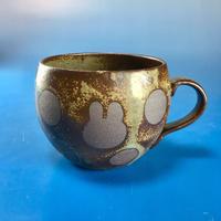 【M074】丸いフォルムのうさぎ水玉模様のマグカップ小(灰茶系・うさぎ印)