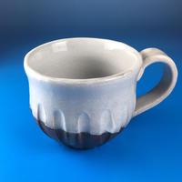 【M011】こっそりうさぎを主張するバイカラーマグカップ(うさぎ印)