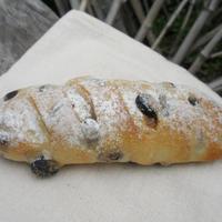 まるごと豆乳黒豆パン