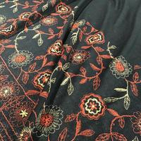 ウールの花柄刺繍ボーダー NOG
