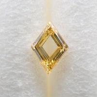 【10/24掲載】イエローダイヤモンド 0.050ctルース(FANCY INTENSE YELLOW, SI2)