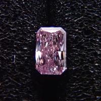 【12/7掲載】ピンクダイヤモンド 0.064ctルース(FANCY PINK, SI2)