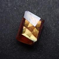 【7/14更新】アンドラダイトガーネット(通称名 レインボーガーネット) 0.661ct原石