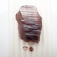 【10/11掲載】アキシナイト 24.648ct原石・ルースセット