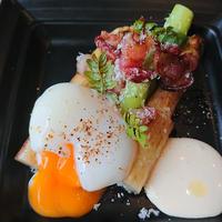【電話注文のみ】北海道産ホワイトアスパラと梅山豚の自家製ベーコン 半熟卵添え