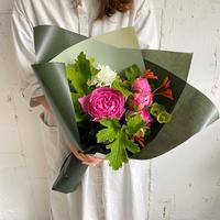 季節のお花で作る花束