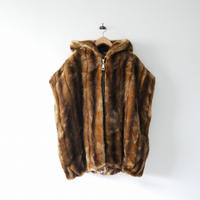 2020  / A POINT / FAKE FUR VEST /  2011-0885