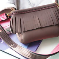 LozzSandra/Mini fringe shoulder bag【ブラウン/ネオンピンク】