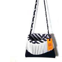 """[予約販売]Lozz Sandra/""""R/hombus"""" Fringe shoulderbag/White fringe"""