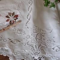 花かご刺繍のカフェカーテン(ダメージあり)